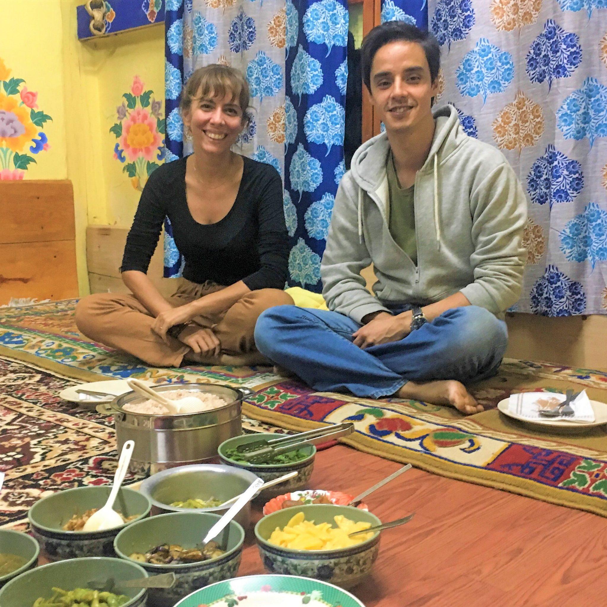 Jantar em Homestay no Butão