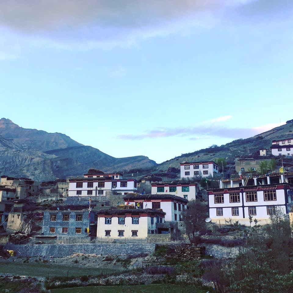Aldeia nos Himalaias Indianos
