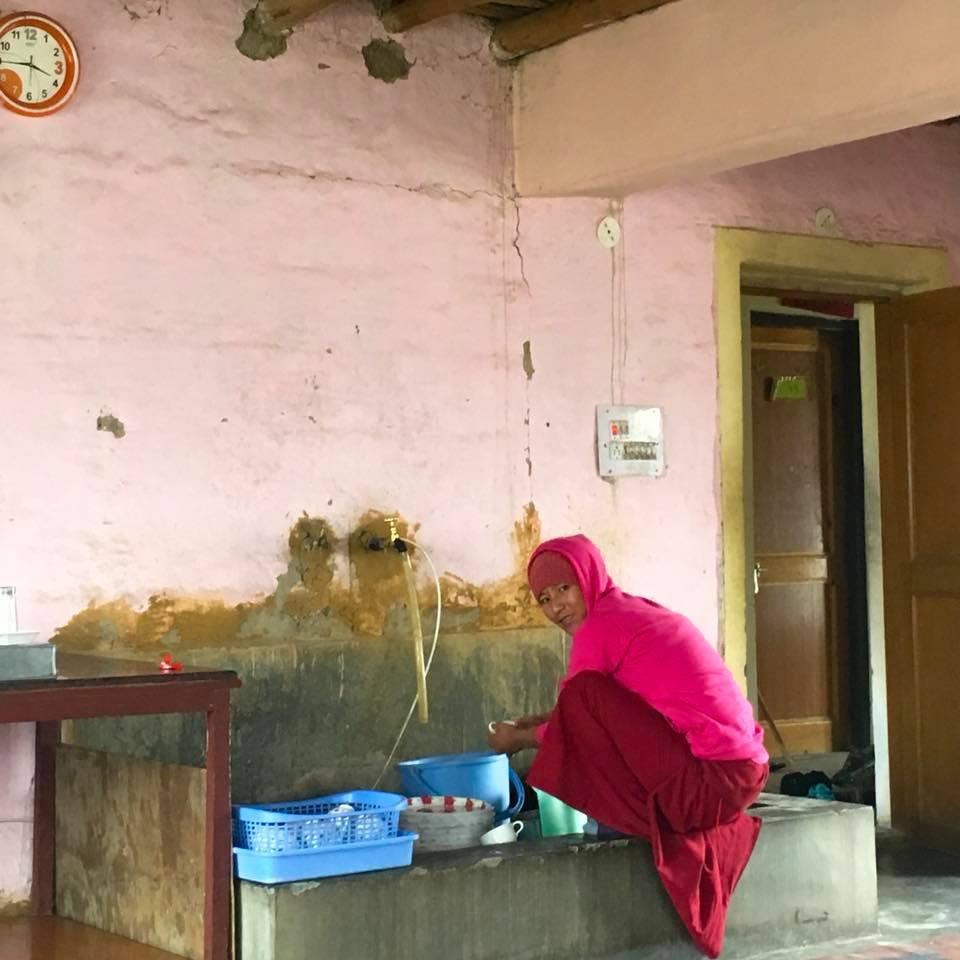 Monja Budista Himalaias Indianos