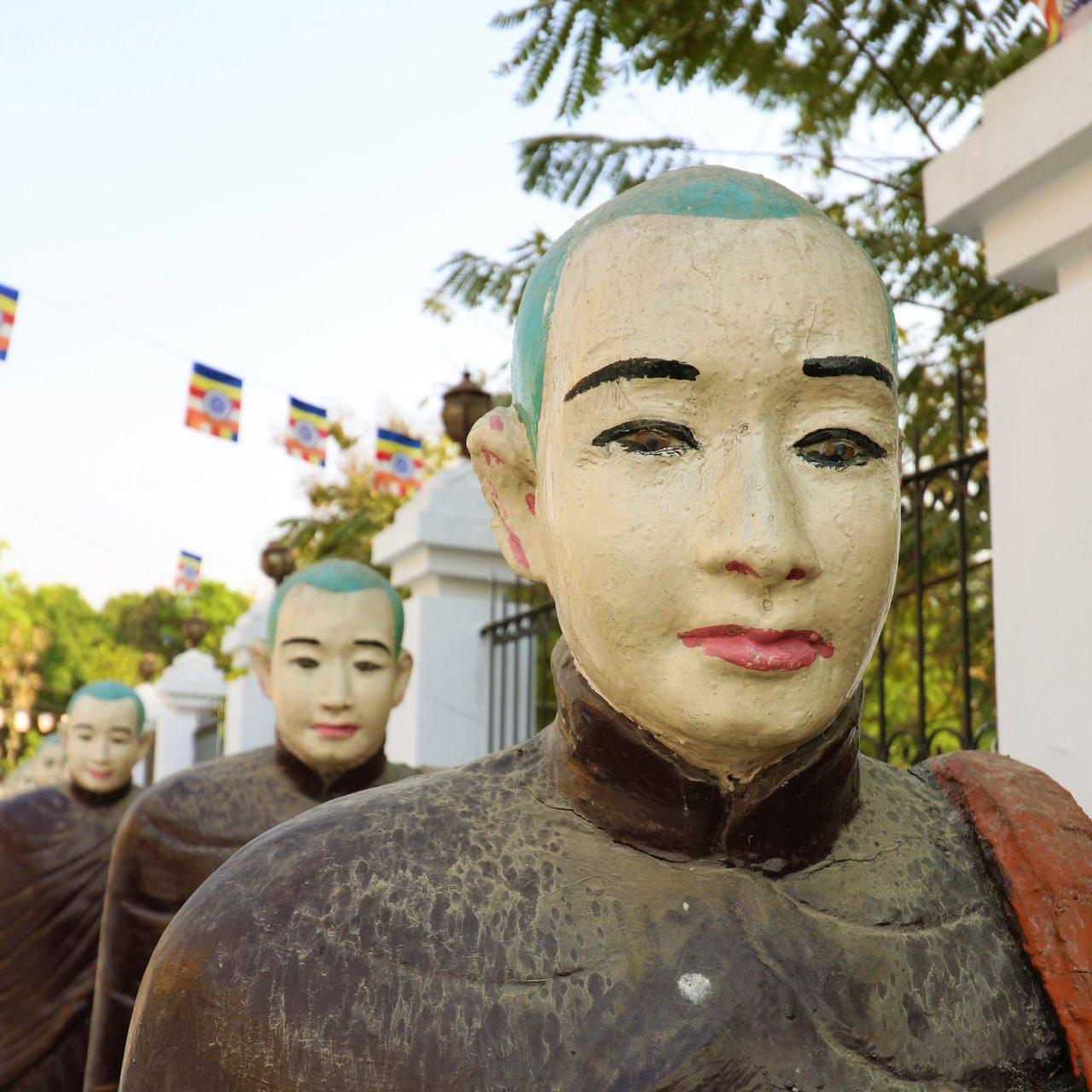 Estatuas em Kushinagar